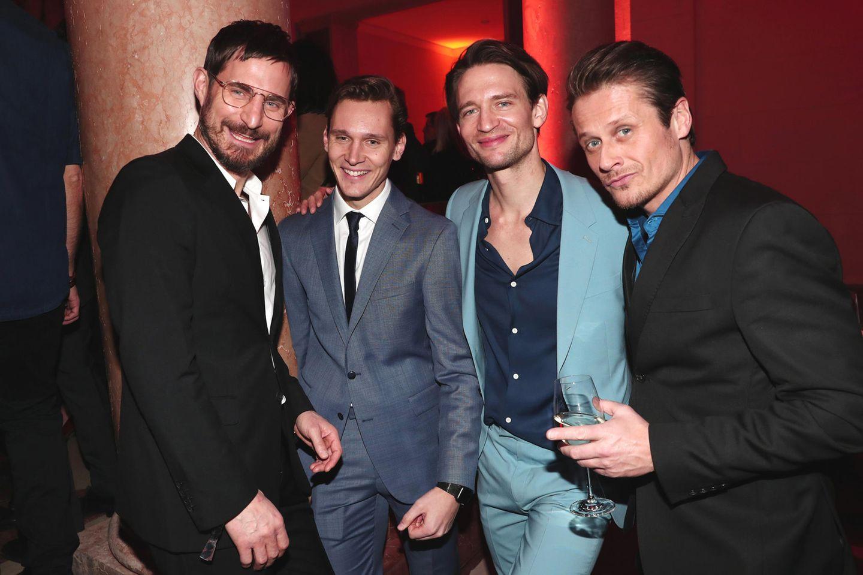 """Schick - Clemens Schick! Der Schauspieler und seine KollegenRick Okon, August Wittgenstein und Roman Knižka haben sich für die Berlinale """"Festival Night"""" in Schale geworfen."""