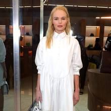Kate Bosworth hat ein gutes Händchen für Mode. Bei einem Store-Opening in Los Angeles macht sie in ihrem luftig leichten Kleid von Armargentum, daszusätzlich mit Swarovski-Kristallen verziert wurde, schon mächtig Lust auf den Frühling.