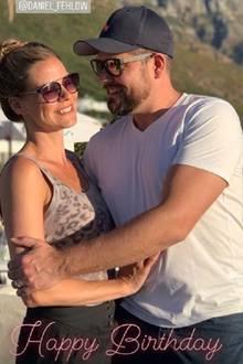 Jessica Ginkel gratuliert ihrem Schatz Daniel Fehlow mit diesem süßen Schnappschuss zum 45. Geburtstag.