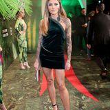 Sophia Thomalla erscheint im knappen Schlangen-Kleid zur Veranstaltung.