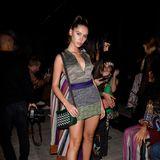 Wow, was für Beine, was für ein Glow: Am Rande der Missoni-Show bei der Mailänder Fashion Week zeigtsich Iris Law, die schöne Tochter von Jude Law und Sadie Frost.