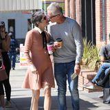 Selma Blair + John Carlson gehen spazieren