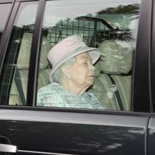 Queen Elizabeth am 23. Februar auf dem Weg zum Gottesdienst in Windsor.
