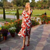 In den wunderschönen Gärten des Taj Mahal spaziert Ivanka Trump in einem Kleid des New Yorker LabelsProenza Schouler umher.