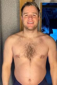 UK-Sänger Olly Murs zeigt sich Anfang Januar noch mit ordentlicher Plauze. Er spricht ganz offen darüber, dass wenig Sport und eine schlechte Ernährung der Grund dafür sind.