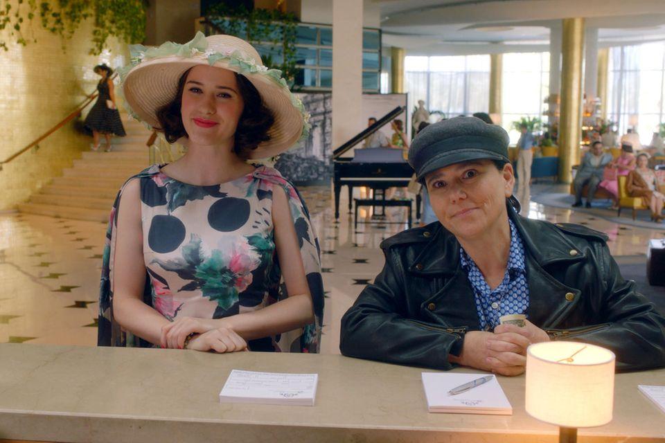Midge (Rachel Brosnahan) und Susie (Alex Borstein)