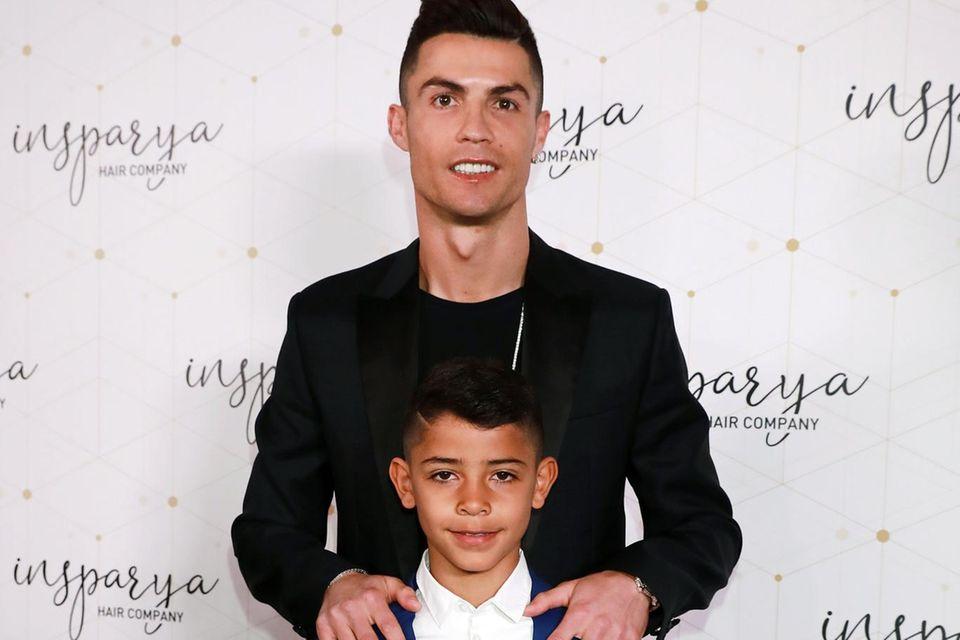 Cristiano Ronaldo mit seinem Sohn Cristiano Jr.