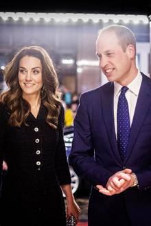 25. Februar 2020  Der Herzog und die Herzogin von Cambridge sind in ihrer Herzensangelegenheit, dem Thema psychische Gesundheit, unterwegs. Das Musical, das sie sich imNoël Coward Theater im Londoner West End anschauen, unterstützt die Royal Foundation, die sich dem Thema widmet.
