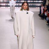 Ein Auftritt mit Seltenheitswert bei Isabel Marant. Bei der Herbst-Winter-Show läuft das einstige Victoria's Secret Model Doutzen Kroes.