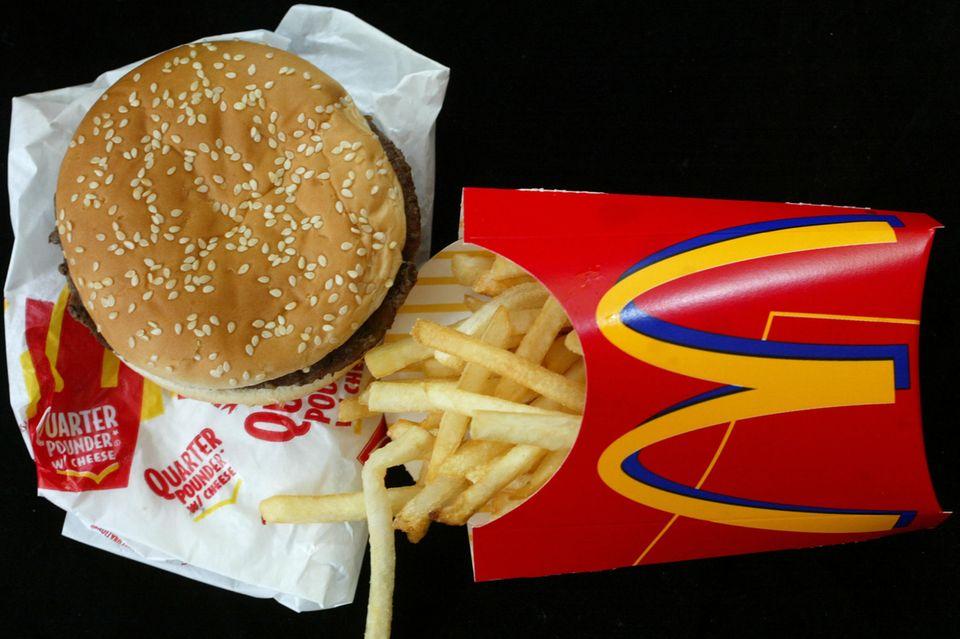 McDonald's Verkaufsschlager: der Hamburger Royal TS hier in der Kombi mit Pommes frites