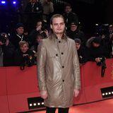 Glänzender Auftritt von Wilson Gonzalez Ochsenknecht bei der Berlinale: Er kombiniert schimmernde Jacke zu dunkler Hose.