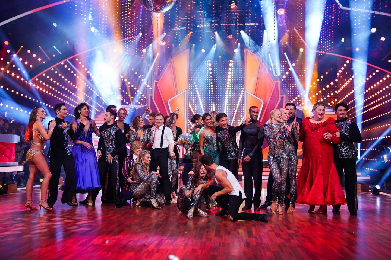"""Die """"Let's Dance""""-Promis und Tänzer von Show eins."""