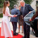 Königin Rania im Izeta-Kleid