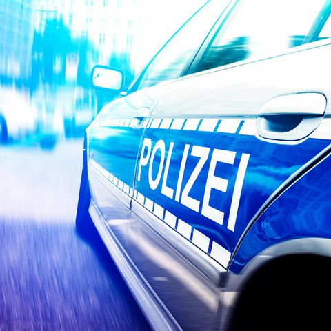 Polizei stoppt illegales Autorennen, findet Baby an Bord (Symbolbild)