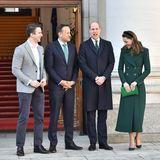 Auch Leo Varadkar, dem Premierminister von Irland, statten William und Kate einen Besuch ab. Matt Barrett (l.), der Lebensgefährte Varadkars, istimGovernment Building in Dublin mit von der Partei.