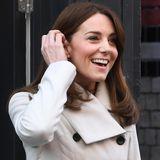 Guten Morgen, Herzogin! Den zweiten Tag ihrer Irlandreise startet Herzogin Catherine mit einem strahlenden Lächeln im Gesicht. Und dazu hat sie auch allen Grund...