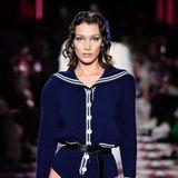 Ein ganz knappes Höschen gab es für Supermodel Bella Hadid.