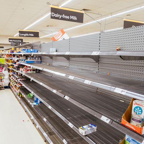 Wegen des Coronavirus sind aktuell viele Supermärkte ganz schön leer.