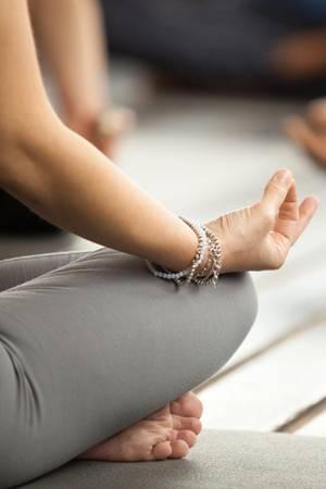 Yoga kann Migräne lindern