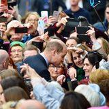 Und auch Prinz William hat keinerlei Berührungsängste.