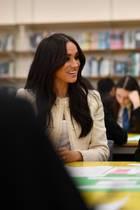 Herzogin Meghan bei ihrem Besuch der Robert Clack Upper School in Dagenham