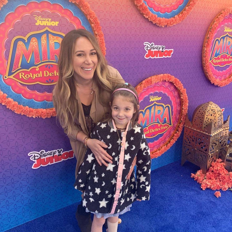 Haylie Duff + Tochter Ryan besuchen eine Disney-Premiere