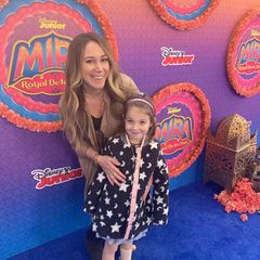 Haylie Duff + Tochter Ryan besuchen eine Disney-Premiere