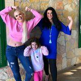 """Daniela Katzenberger postet ein Foto mit ihrer Mutter Iris Klein und ihrer Tochter Sophia. """"Mädels, das ist UNSER Tag. Millionen Gründe, warum wir diesen Tag verdient haben!"""" ist ihr Kommentar."""