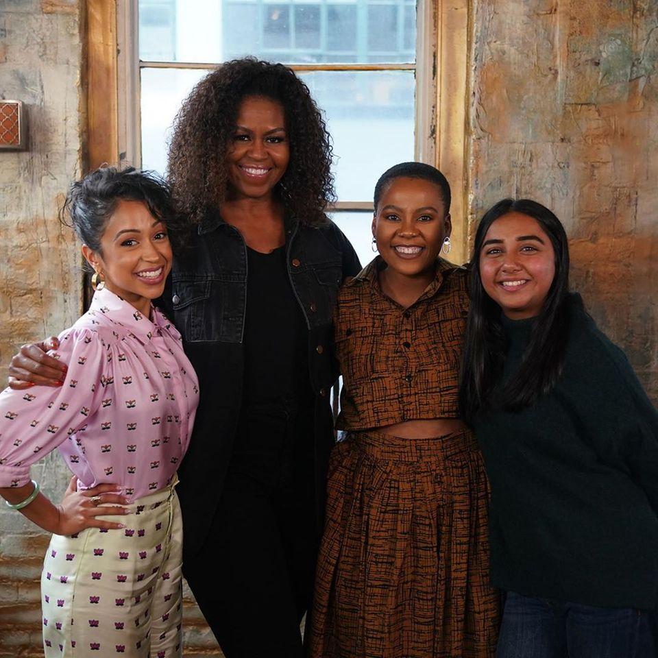"""Michelle Obama postet ein Foto mit Frauen, die ihre """"Girls Opportunity Alliance"""" unterstützen."""