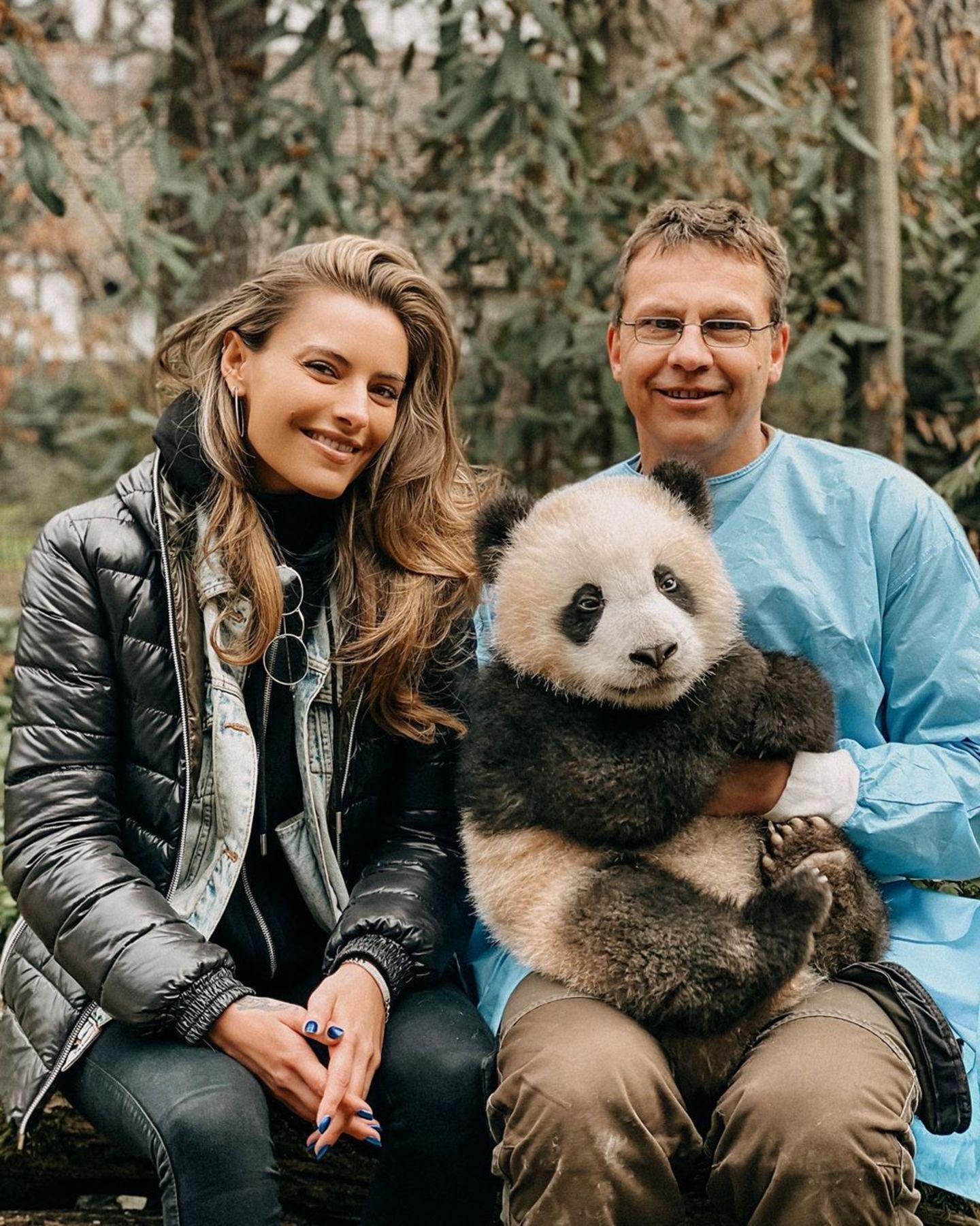 Sophia Thomalla besucht Pandabären im Zoo Berlin
