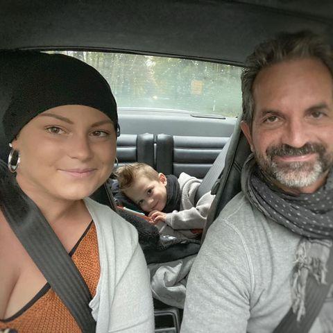 Mia de Vries (†) mit Sohn Levi und Ehemann Michel de Vries
