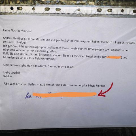 Mit solch einem Zettel bieten Nachbarn aktuell ihre Hilfe im Kampf gegen das Coronavirus an.