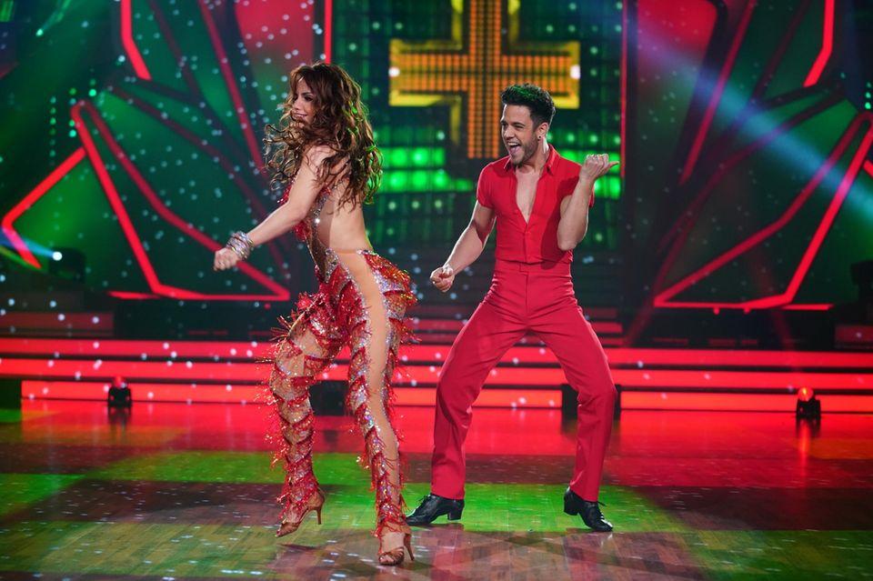 Christina Luft und Luca Hänni tanzen den Samba