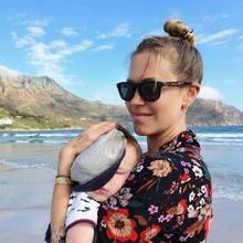 13. März 2020  Die Elternzeit, die Wolke Hegenbarth und Oliver Vaid seit Anfang des Jahres im südafrikanischen Hout Bay verbracht haben, neigt sich dem Ende zu. Zum Abschied postet die sehr dankbare Wolke dieses süße Bild von Schlafmützchen Avi und sich.