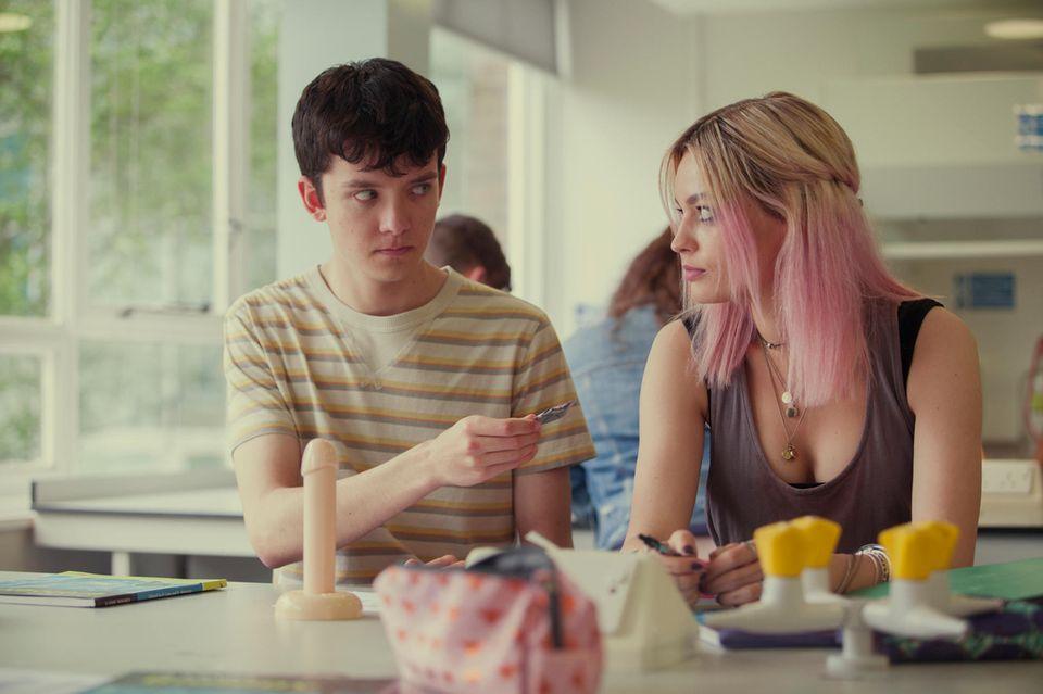 Otis (Asa Butterfield) und Maeve (Emma Mackey)
