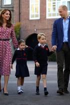 Herzogin Catherine (l.) und Prinz William (r.) unterrichten ihre Kinder fortan Zuhause.