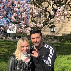 Frische Luft tut gut! Und nach dem vielen Tanztraining gönnen sich Alona Uehlin und Sükrü Pehlivan mal einen kleinen Spaziergang.