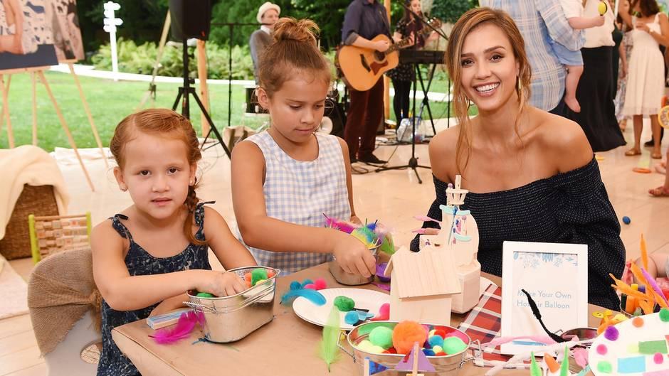 Jessica Alba mit ihren Töchtern Haven und Honor