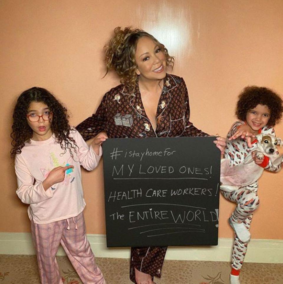 Auch Pop-Diva Mariah Carey und ihre Kids zeigen, dass sie es sich für die nächste Zeit im Pyjama zuhause gemütlich machen.