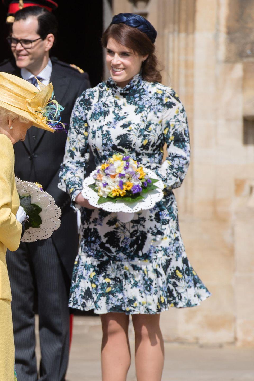 Ebenfalls Bein zeigt Eugenieim April 2019 beim traditionellenRoyal Maundy Gottesdienst in derSt. George's Kapelle. Das wunderschöne Kleid mit floralem Muster stammt aus der Feder des türkisch-kanadischen Modeschöpfer Erdem.