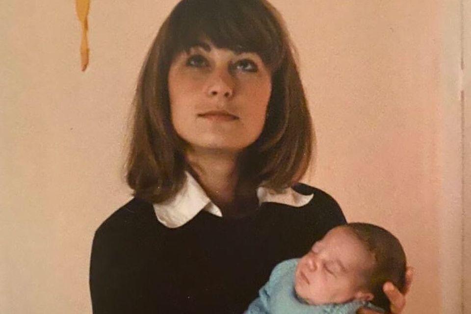 Carole Middleton 1982 mit ihrer kleinen Tochter Catherine.