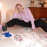 Das schwedische Model Elsa Hosk lässt ihrer künstlerischen Ader freien Lauf. In der Quarantäne hat sie endlich mal wieder Zeit zu malen.