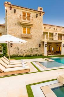 Sieht so das neue Zuhause von Herzogin Meghan und Prinz Harry in Malibu aus? Gerüchten zufolge soll sich das Paar dieses 4,8-Millionen-schwere-Anwesen angesehen haben.