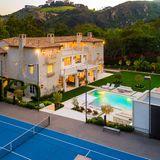 Sportlich austoben könnte sich das Paar auf dem angrenzenden Tennisplatz. Für die aktive Meghan mit Sicherheit ein Pluspunkt des Anwesens.