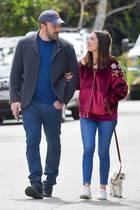 28. März 2020  Zwei Turteltauben unterwegs: Ben Affleck und Ana de Armas zeigen sich in den letzten Tagen immer wieder ganz verliebt in der Öffentlichkeit. In einer Zeit, wo die allermeisten Stars zuhause bleiben, ist das natürlich ein gefundenes Fressen für die Paparazzi.