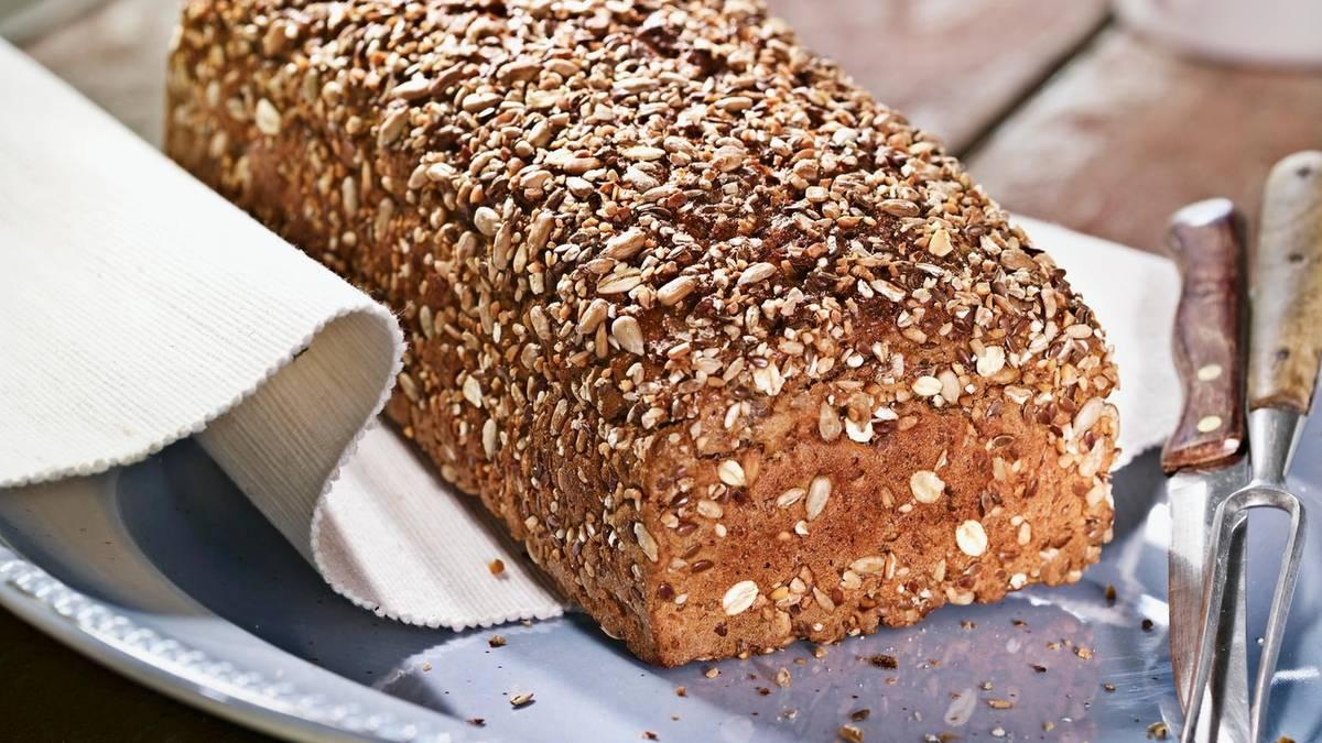 Brot selber backen: saftiges Vollkornbrot in 3 Minuten