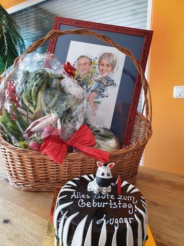 Richard Lugners Geschenke für seine Lebensgefährtin Karin Karrer