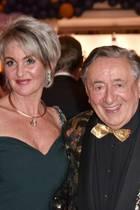"""Richard Lugner mit seiner neuen Lebensgefährtin Karin """"Zebra"""" Karrer"""
