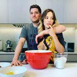 Auf instagram verrät Luisana Lopilato ihren Fans das Rezept des Kuchens, den sie zusammen mit Ehemann Michael Bublé gebacken hat.