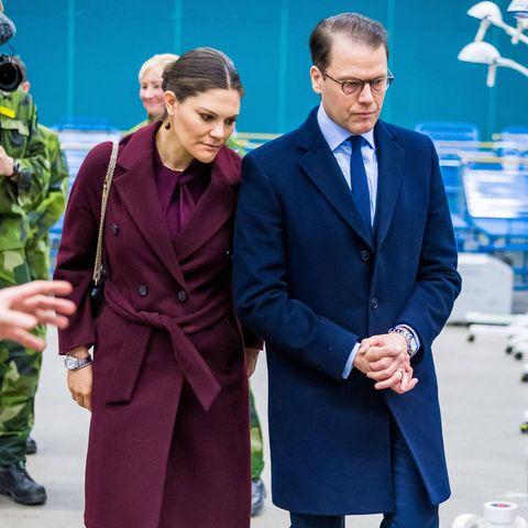 Prinzessin Victoria und Prinz Daniel besuchten am 26. März ein Feldkrankenhaus, das im Zuge der Coronavirus-Krise eingerichtet wurde.